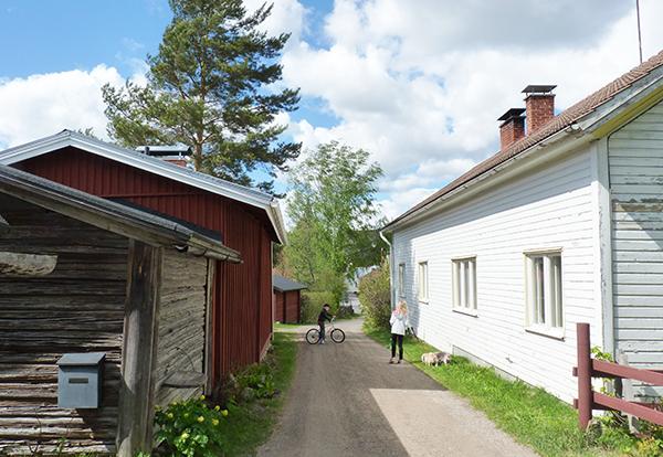 Uusi silta eduskunnan ja kylien välille - kylätoimintaverkosto eduskuntaan - Hämeenraitti