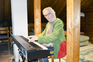 Niinilehdon Tupa on musiikkimiehen oma puuhamaa